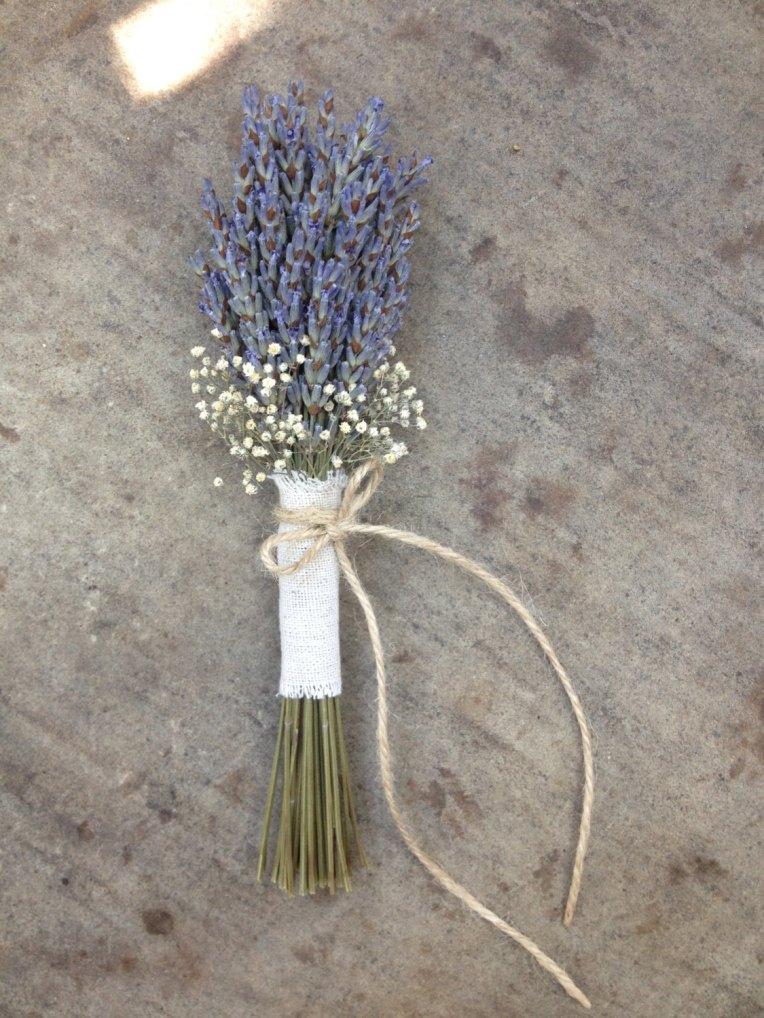 lavender-babies-breath-wedding-decor